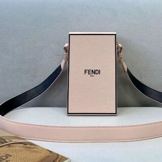 フェンディ(FENDI)の新作入荷【FENDI】バッグ(ショルダーバッグ)