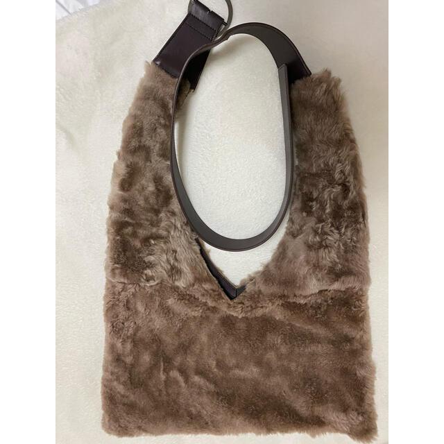 ADORE(アドーア)のアドーア 2019 AW ムートンビンドルバッグ  レディースのバッグ(ショルダーバッグ)の商品写真