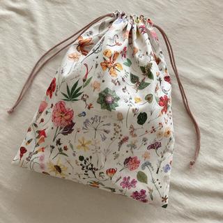 リバティ 巾着袋 ハンドメイド Floral Eve  フローラル・イヴ(外出用品)