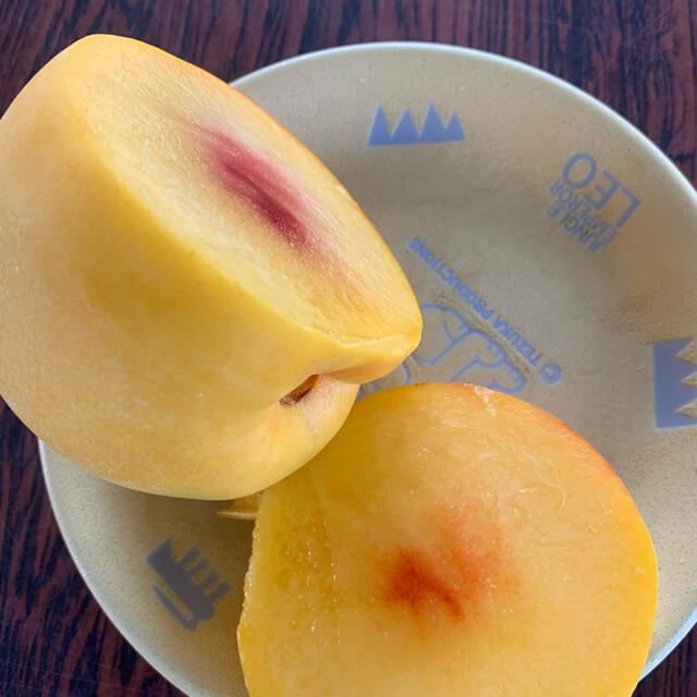 山形産 桃 きららのきわみ 11玉   無印品 食品/飲料/酒の食品(フルーツ)の商品写真