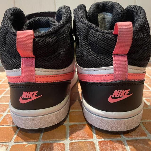 NIKE(ナイキ)のNIKEナイキ ハイカットキッズシューズ キッズ/ベビー/マタニティのキッズ靴/シューズ(15cm~)(スニーカー)の商品写真