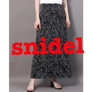 snidel - スナイデル バリエーションプリントナロースカート