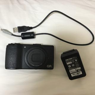 リコー(RICOH)の良品 リコー RICOH GR APS-C 液晶プロテクター、充電器付き(コンパクトデジタルカメラ)