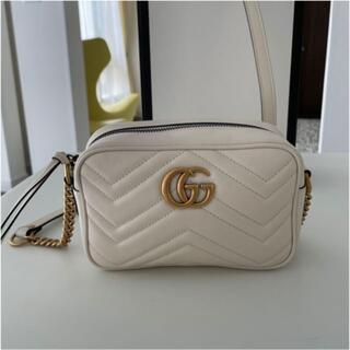 Gucci - GUCCI ホワイトミニGGマーモントキルティング ミニバッグ
