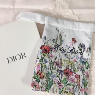 Dior - Dior  ノベルティ花柄刺繍ポーチ