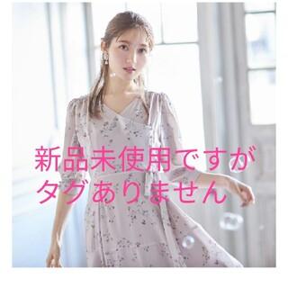 tocco - 【新品未使用】ウエストりぼん付きフラワープリントカシュクールワンピース