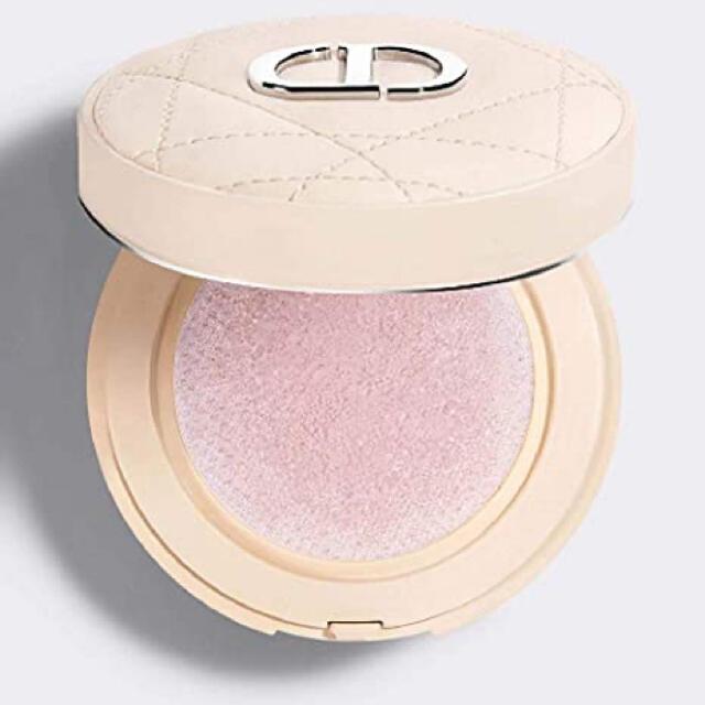 Dior(ディオール)の翌日発送❗️ディオールスキン フォーエヴァー クッション パウダー ラベンダー コスメ/美容のベースメイク/化粧品(フェイスパウダー)の商品写真