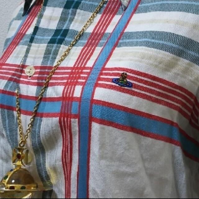 Vivienne Westwood(ヴィヴィアンウエストウッド)のメトロポリタンチェック ブラウス オーブ刺繍 オーバーサイズ ヴィヴィアン レディースのトップス(シャツ/ブラウス(長袖/七分))の商品写真