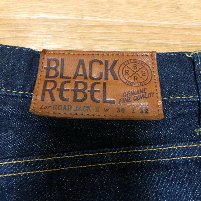RUDE GALLERY(ルードギャラリー)の美品 RUDE GALLERY BLACKREBEL デニムパンツ 30インチ メンズのパンツ(デニム/ジーンズ)の商品写真