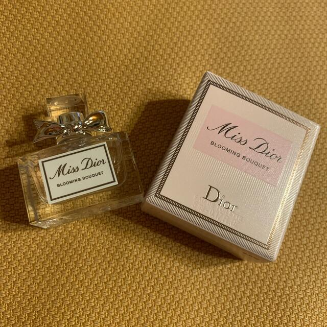 Christian Dior(クリスチャンディオール)のMiss Dior 香水 5ml コスメ/美容の香水(香水(女性用))の商品写真