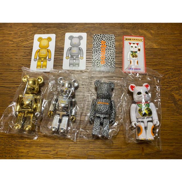 MEDICOM TOY(メディコムトイ)のベアブリック シリーズ42 シクレッド Gold Silver atoms招き猫 エンタメ/ホビーのフィギュア(その他)の商品写真