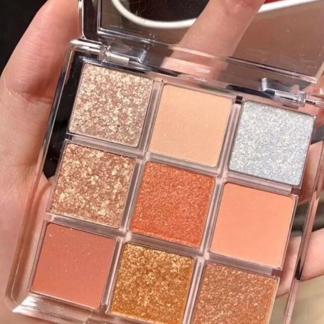 アイシャドウパレット9色 キラキラ 韓国コスメ  コスメ/美容のベースメイク/化粧品(アイシャドウ)の商品写真