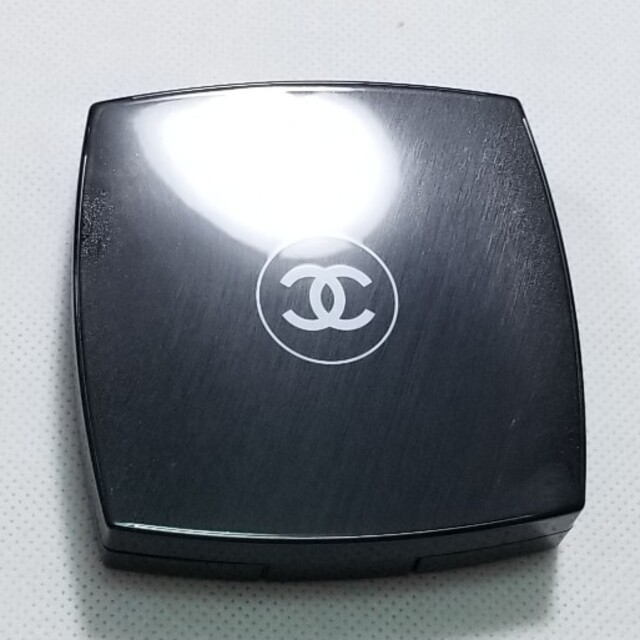 CHANEL(シャネル)の残量7割程度 シャネルフェイスパウダー コスメ/美容のベースメイク/化粧品(フェイスパウダー)の商品写真