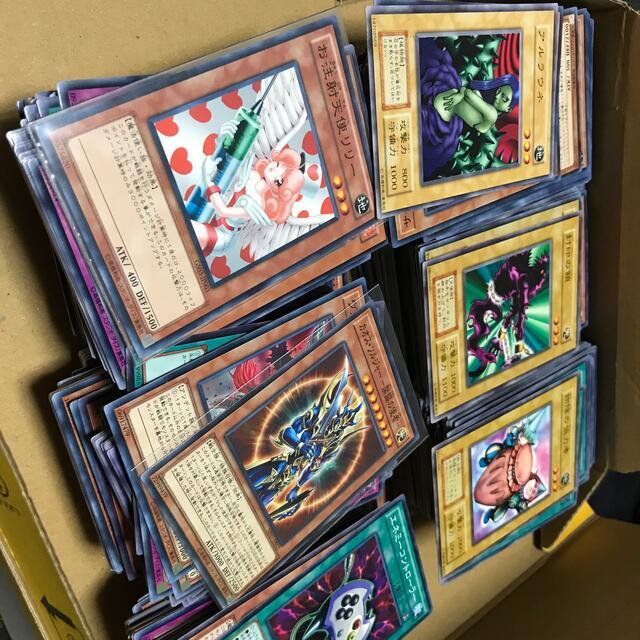遊戯王(ユウギオウ)の遊戯王カードまとめ売り600枚以上ブラックパラディンレリーフ エンタメ/ホビーのトレーディングカード(シングルカード)の商品写真
