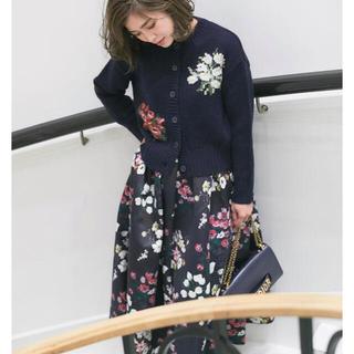 TSURU by Mariko Oikawa - 新品 seventen ケイタマルヤマ セブンテン 夜の花プリントフレアスカート