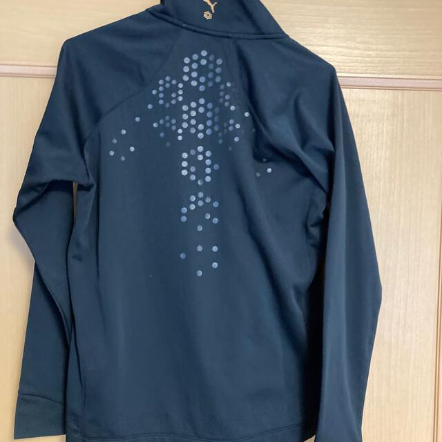 PUMA(プーマ)のレイ様専用 PUMA ゴルフウェア ジップ付きブラック サイズM 美品 スポーツ/アウトドアのゴルフ(ウエア)の商品写真
