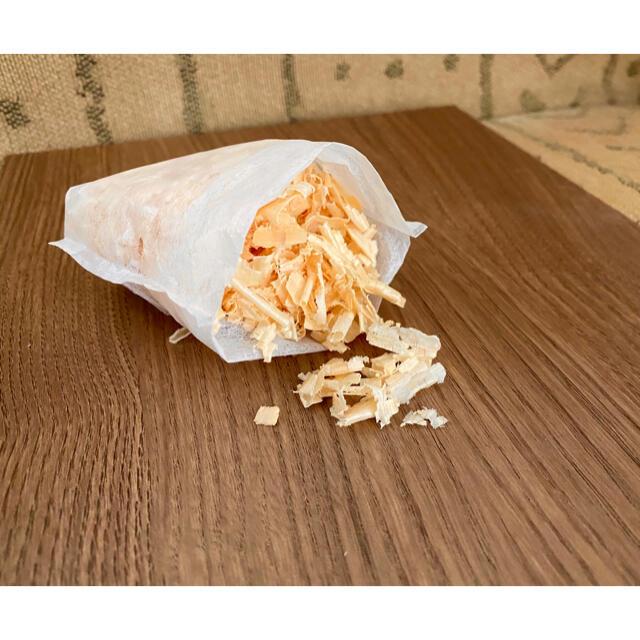 ♢28  国産 ひのきチップ おがくず 香り袋 10袋 削りたてをお届けします インテリア/住まい/日用品のインテリア小物(その他)の商品写真