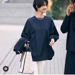 23区 - 【亀恭子さんコラボ・セレモニーにも】LILY/シャーリングカフスシャツ