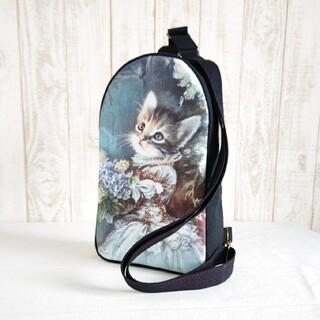 イジェヒョン♪アッシュデザイン♪青いドレスの猫  ボディーバッグ