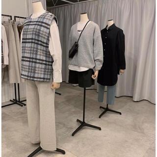 Drawer - yonfa deep v sweater gray