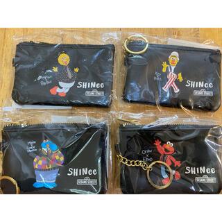 シャイニー(SHINee)のSHINIee シャイニー セサミストリート コインケース カードサイズポーチ(アイドルグッズ)