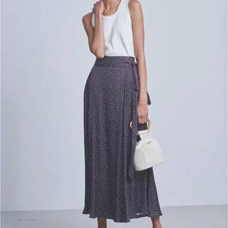 ミラオーウェン(Mila Owen)のMila Owen  ミラオーウェン サテンマキシ丈巻きスカート(ロングスカート)