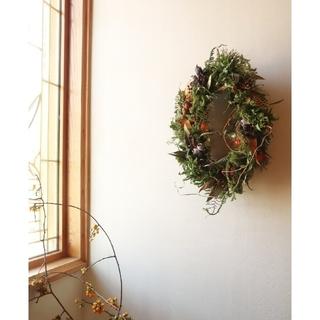 秋冬に向け。ごろっと木の実のオーバルリース。ドライフラワーリース。ハロウィン🎃(リース)