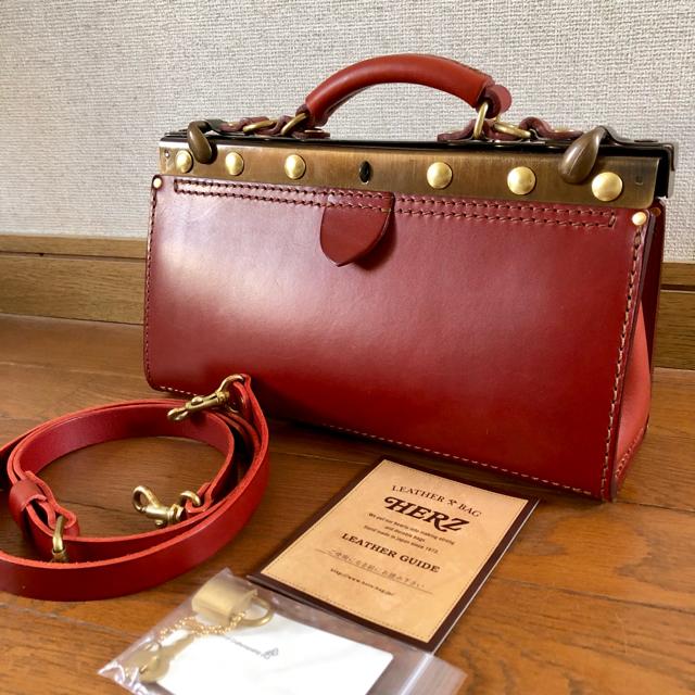 HERZ(ヘルツ)のHERZ コパンタショルダー ボルドー 赤 ヘルツ レディースのバッグ(ショルダーバッグ)の商品写真