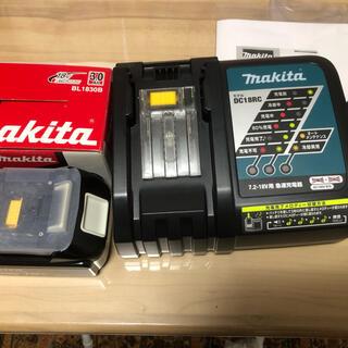 マキタ 最新型充電器バッテリー18v純正品セット(工具/メンテナンス)