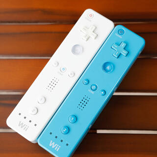 Wii - wiiリモコン シロアオ 2個セット