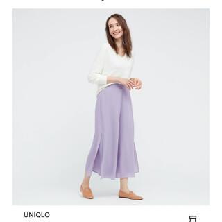 ユニクロ(UNIQLO)のユニクロ シフォンスリットスカートパンツ 丈46cmパープルM(キュロット)