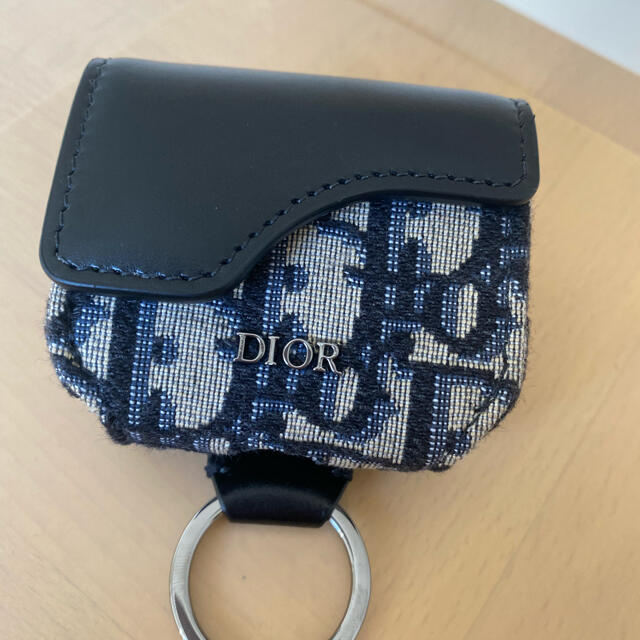 Christian Dior(クリスチャンディオール)のDIOR AirPods Proケース スマホ/家電/カメラのスマホアクセサリー(モバイルケース/カバー)の商品写真