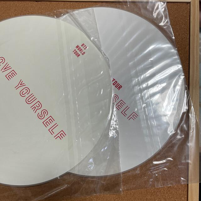 防弾少年団(BTS)(ボウダンショウネンダン)の防弾少年団・BTS・バンタン ジンうちわ2枚 エンタメ/ホビーのCD(K-POP/アジア)の商品写真