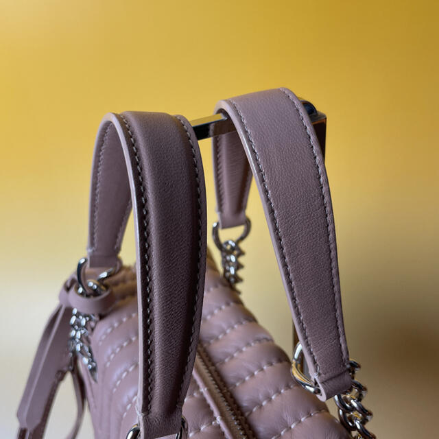 JIMMY CHOO(ジミーチュウ)のJIMMY CHOO 極美品 2way ヘリア ボーリング  ジミーチュウ レディースのバッグ(ショルダーバッグ)の商品写真