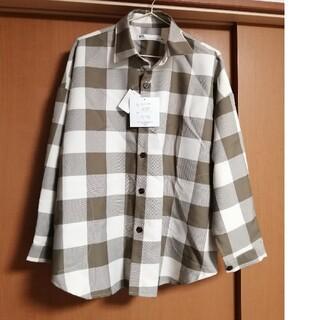 アベイル(Avail)の新品☆ブロックチェックオーバーサイズシャツ カーキ メンズMサイズ(シャツ)