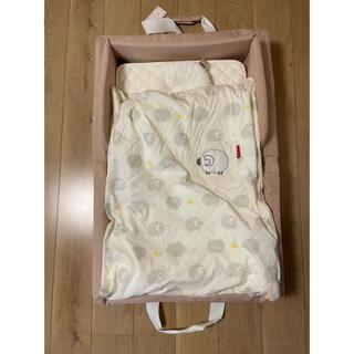 ファルスカ コンパクトベッドフィット と替えのシーツと敷パッドと防水シートセット(ベビーベッド)