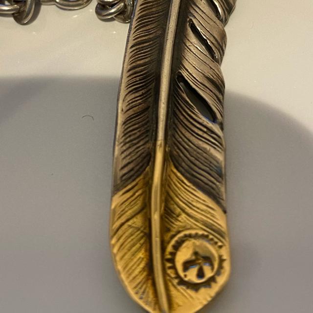 goro's(ゴローズ)のゴローズ  先金特大フェザー k18  メンズのアクセサリー(ネックレス)の商品写真