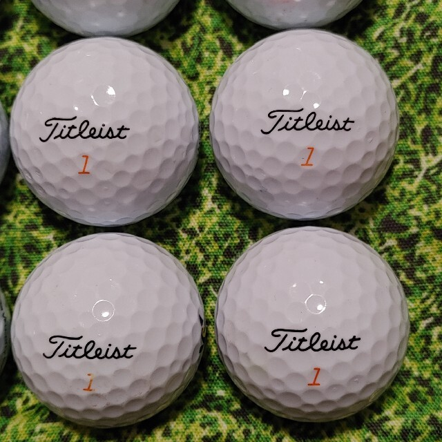 Titleist(タイトリスト)のタイトリスト ベロシティ ロストボール ゴルフボール 329 スポーツ/アウトドアのゴルフ(その他)の商品写真