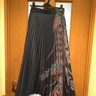 ヨーカン(YOKANG)の美品 ヨーカン プリーツスカート クロトンアロエ柄(ロングスカート)