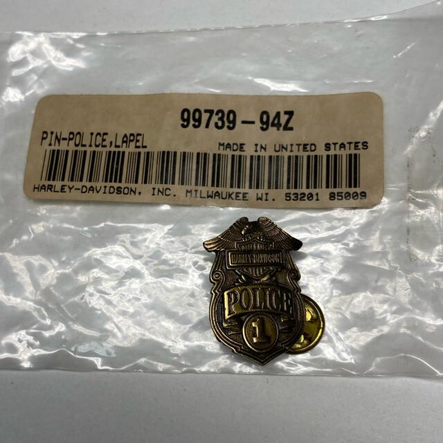Harley Davidson(ハーレーダビッドソン)のハーレー 純正  ブラス ピンバッジ police  ポリス 自動車/バイクのバイク(パーツ)の商品写真