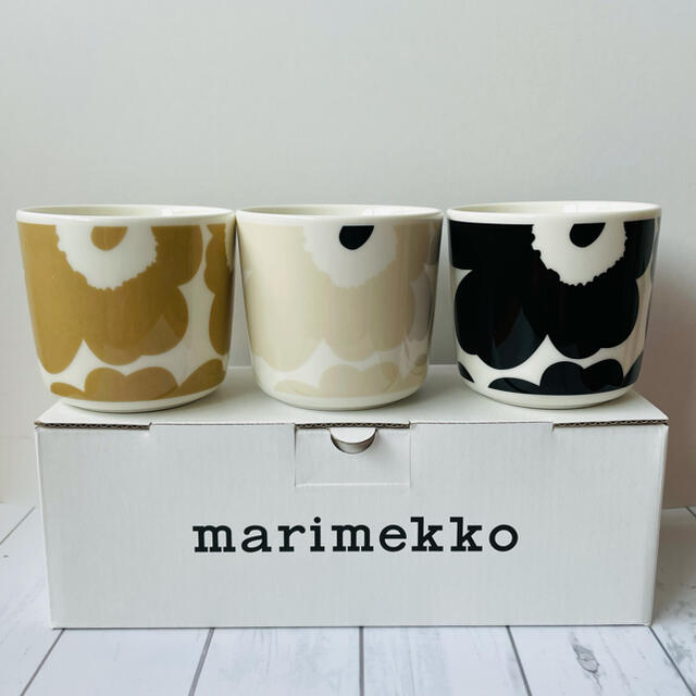 marimekko(マリメッコ)の 新品 marimekko マリメッコ Unikko ウニッコ ラテマグ 3個 インテリア/住まい/日用品のキッチン/食器(グラス/カップ)の商品写真