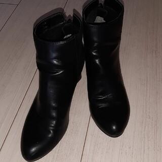 ユニクロ(UNIQLO)のユニクロショートブーツ(ブーツ)