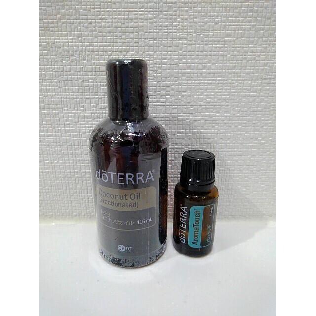 【おまとめ価格】ドテラ アロマタッチ&ココナッツオイル 2本セット コスメ/美容のリラクゼーション(エッセンシャルオイル(精油))の商品写真