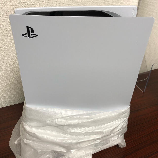 PlayStation(プレイステーション)のPlayStation 5 開封済み エンタメ/ホビーのゲームソフト/ゲーム機本体(家庭用ゲーム機本体)の商品写真