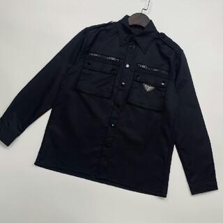 プラダ(PRADA)のファッション限定ブラックナイロンシャツ(シャツ)
