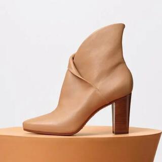セリーヌ(celine)の《新品》セリーヌのアンクルブーツ♡ Wrap Bootie サイズ38.5(ブーツ)