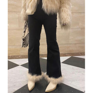 Lochie - épine bell jeans black×ivory feather fur
