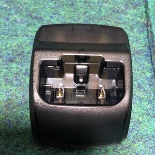エヌティティドコモ(NTTdocomo)のdocomo充電器 卓上ホルダー D005(その他)