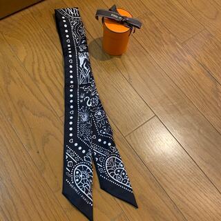 エルメス(Hermes)の未使用 エルメス 大人気 バンダナ柄ツイリー 黒(バンダナ/スカーフ)