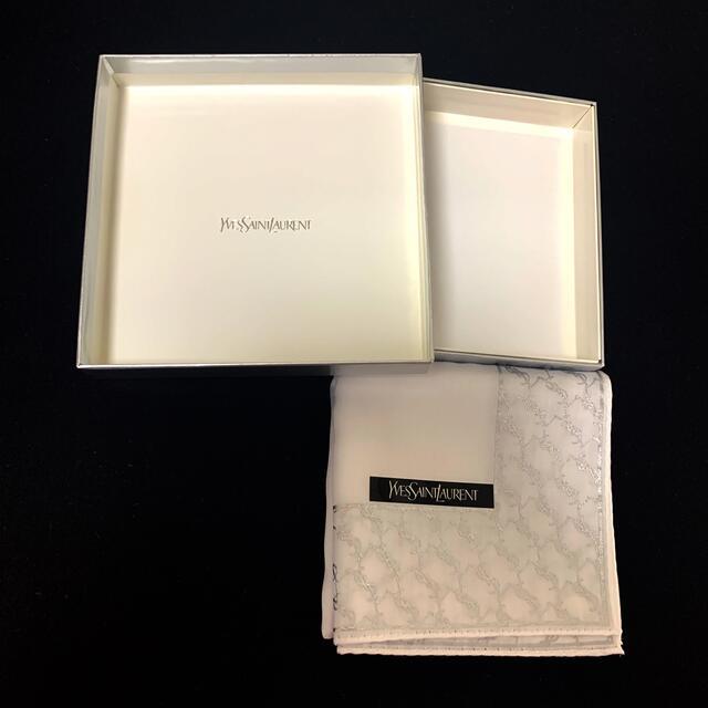 Yves Saint Laurent Beaute(イヴサンローランボーテ)の《新品未使用》YSL.  ハンカチ  レディースのファッション小物(ハンカチ)の商品写真